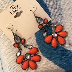 NWT Lux Dangle Earrings